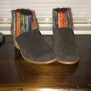 Toms brown suede booties